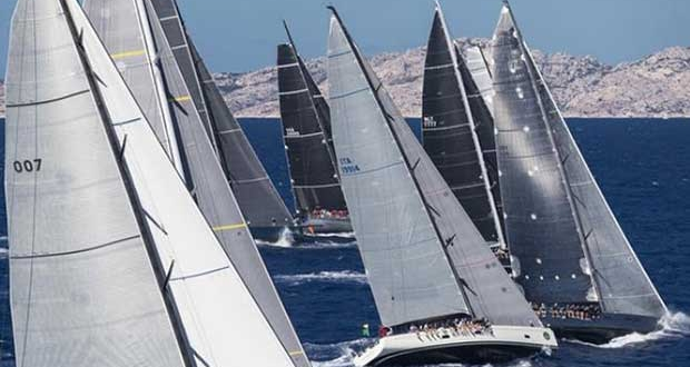 Big boat action at the Maxi Yacht Rolex Cup. © Rolex / Carlo Borlenghi http://www.carloborlenghi.net