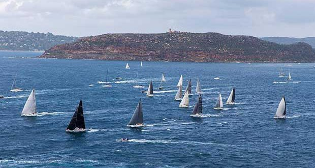 The fleet leaving Broken Bay on their way to Southport © Andrea Francolini http://www.afrancolini.com/