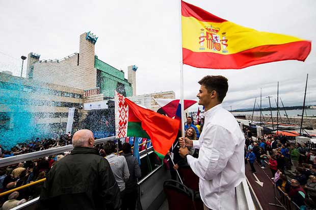 Diego Botin carries the Spanish flag - 2017 World Cup Series Final © Pedro Martinez http://www.tp52worldchampionship.com/