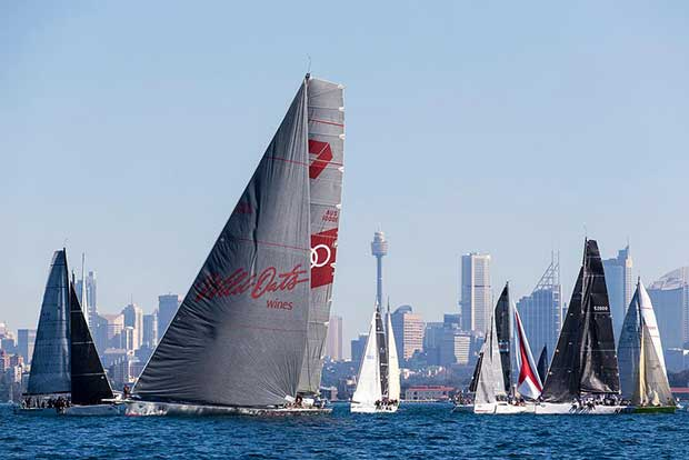 Start line of the 2017 Land Rover Sydney Gold Coast Yacht Race Andrea Francolini/CYCA