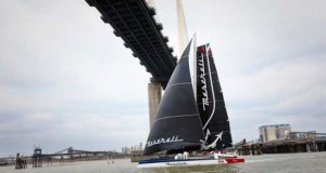 Giovanni Soldini and Maserati Multi 70 finish line Queen Elizabeth II Bridge © maserati.soldini.it