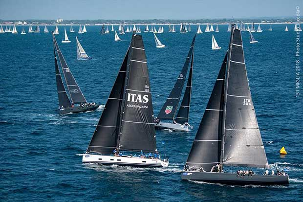The IRC maxi fleet crosses swords soon after this afternoon's start of the 15 Miglia-Trofeo Cetilar. © Studio Taccola
