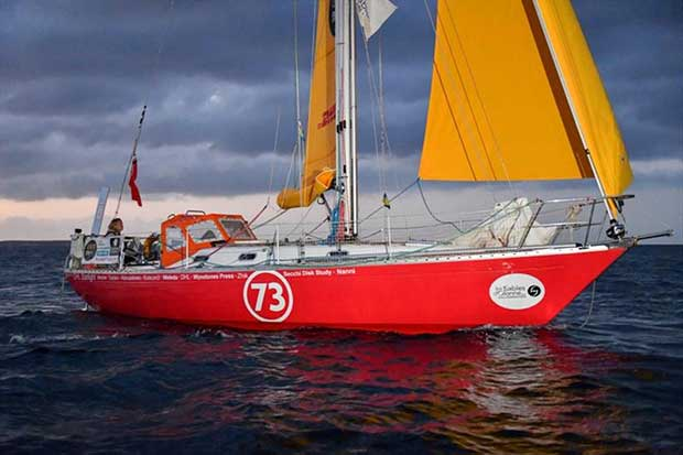 Susie Goodall reports issues with rigging chain plates - photo © Christophe Favreau / PPL / GGR