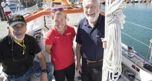 (l-r) Alex Carozzo (ITA) Susie Goodall and Sir Robin Knox-Johnston at the start of the 2018 Golden Globe Race © Tim Bishop
