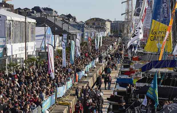 The IMOCAs in front of the public at the start of the Route du Rhum © Benoit Stichelbaut