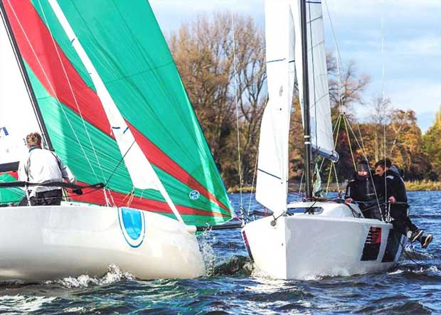 Uhhppps ... ..that will be close! - Väter­chen Frost Regatta © Johann Nikolaus Andreae