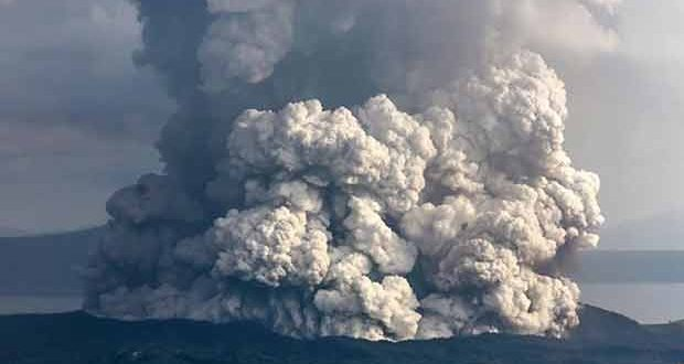 Taal volcano erupting, just 27nm from Verde Island © Fobos Planet