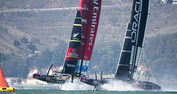 Emirates Team New Zealand NZL5 leads Oracle Team USA in leg one of race 11 on day 7 of America's Cup 34 © Chris Cameron / ETNZ
