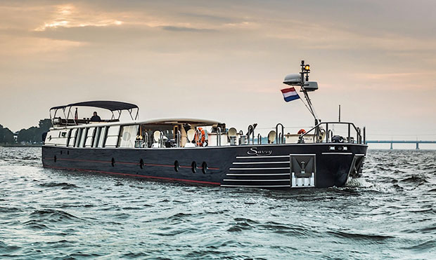Savvy Luxury Superyacht Barge Lets You Cruise Canals©Peter Insull