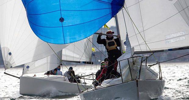Close racing on Port Phillip - Australian Women's Keelboat Regatta © Bruno Cocozza